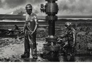 Brazilian artist Sebastião Selgado portrays the oil workers in the Middle East.